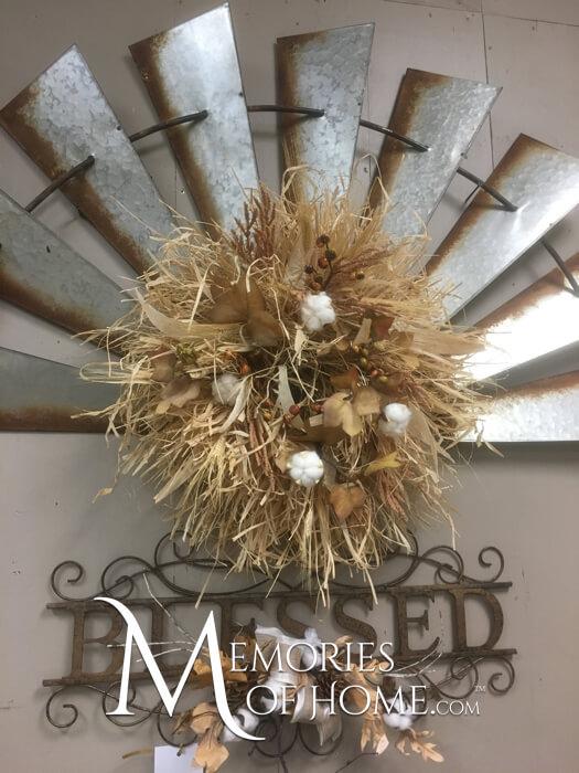 How to make a raffia wreath with Debbie | MemoriesoofHome.com #raffia #wreath #DIY #home #decor